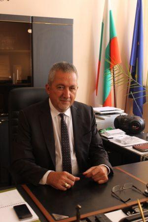 Поздравление за Осми март от областния управител Чавдар Божурски