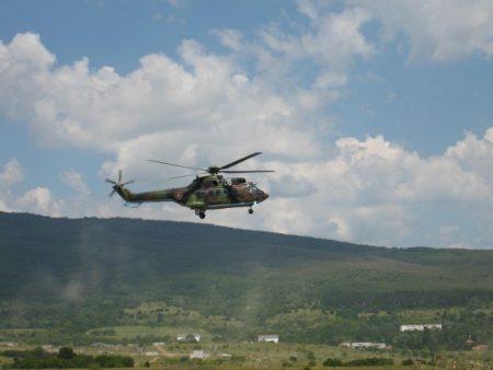Хеликоптерът се включи в гасенето на пожара край Котел /видео/