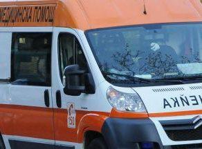 Две деца, качени на една тротинетка, са блъснати на пешеходна пътека в Сливен