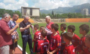 Най-малките футболисти на Сливен и Ямбол в обща инициатива срещу агресията във футбола
