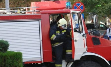 2 пожарни коли гасиха горящ цех за пелети