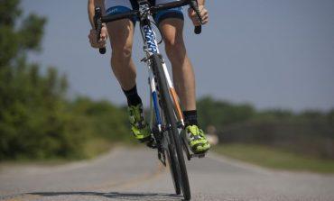 Велосипедист блъсна възрастна жена в Сливен
