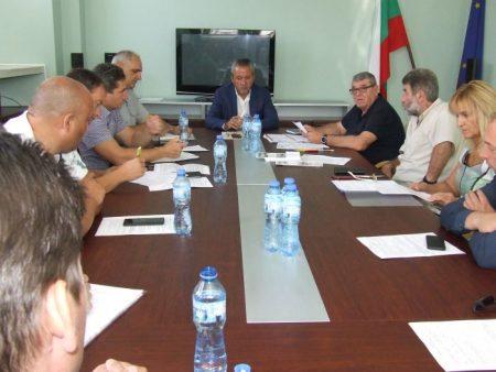 Областният управител свика епизоотичната комисия заради чумата в Сливенско