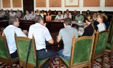 Сливенски кметове обсъдиха чумата по свинете