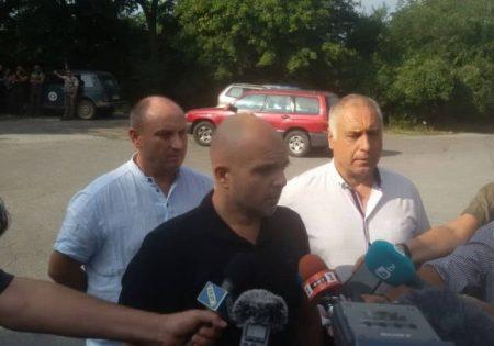 Полиция, жандармерия и граничари с кучета търсят убиеца край Сливен