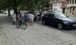 БМВ и Ситроен се блъснаха пред Каракачанската къща