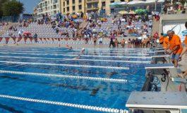 Българин със световен рекорд за 12 часа плуване