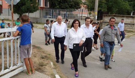 Корнелия Нинова в Сотиря, от БСП в Сливен май не разбраха