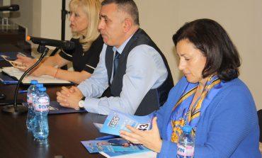 Министър Петя Аврамова пожела успех на Стефан Радев за местните избори
