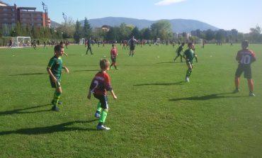 Няма да подновяват тренировките на малките футболисти