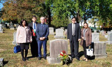Дипломати в САЩ поднесоха на гроба на Стефан Панаретов цветя от името на Сливен