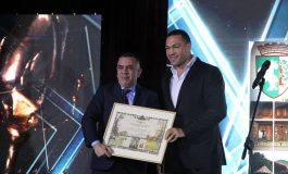 Шампионът Кубрат Пулев връчи на кмета наградата за туризма
