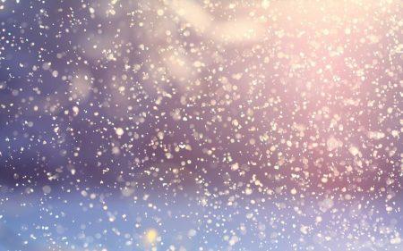 Половин метър сняг и вятър над 20 м/с в Сливенско