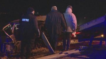 Двама загинали и трима ранени след като влак удари кола край Сливен