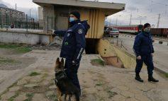 Полицаи с кучета следят за мерките и карантината в Сливен