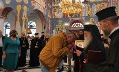 Църковен орден за Борисов заради решението да не затваря храмовете