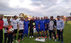 Зелен картон, 12 души в отбор и много емоции на мача между съветници и общинари
