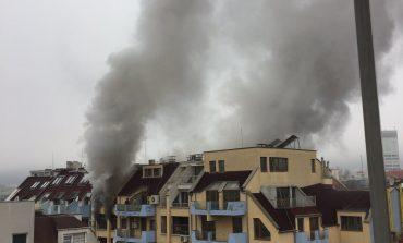 Пожар горя в центъра на Сливен