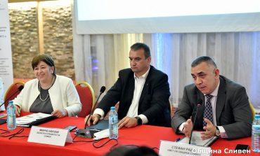 Областният управител покани министър Балтова за посланик на Сливен в туризма