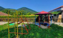 ГЕРБ–Сливен обнови детската площадка в село Бяла