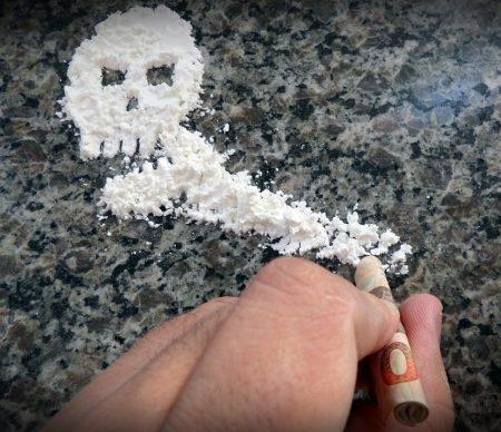 Спипаха двама с наркотици при акция на сливенската полицията