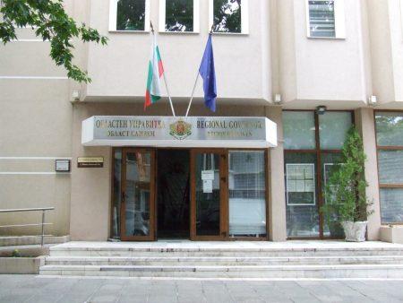 Лекари, стоматолог, ученици и учители сред новите сCOVID-19 в Сливенско