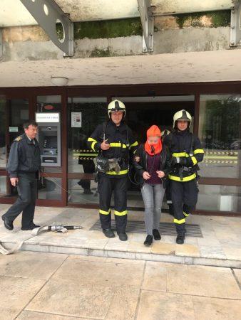 Симулация на пожар в сградата наобщината на 4 юни