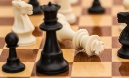 Министър идва в сливенско, ще играе шах с кмета на Котел