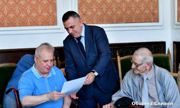 Кметът награди сливенски алпинисти