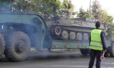 Транспорт на военна техника затруднява днес и утре движението в Сливенско