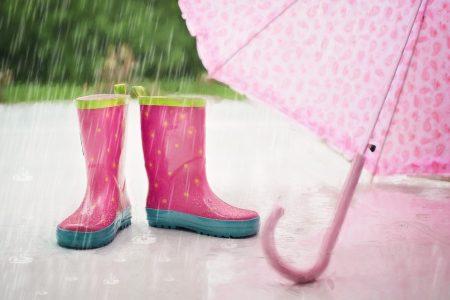 Дъждът изпревари прогнозите, оранжев код за утре в Сливен