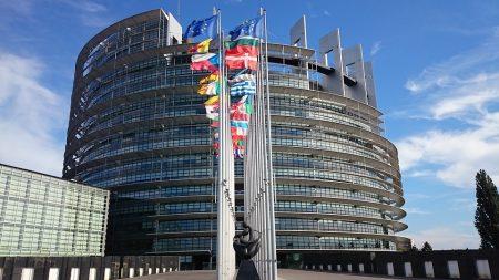 Полша реши: Конституцията е по-важна от законите на ЕС