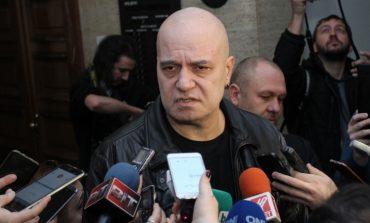 Слави Трифонов няма да е депутат, намекна за президент