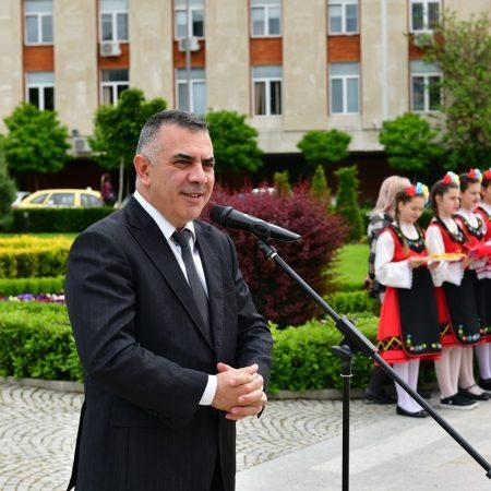 Поздравление на кмета на община Сливен Стефан Радев по случай първия учебен ден