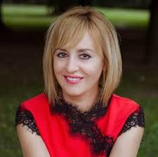 Мая Манолова подава оставка като омбудсман и се кандидатира за кмет