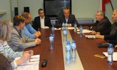 Областният управител: Ще намерим решение за миризмите във въздуха в Нова Загора