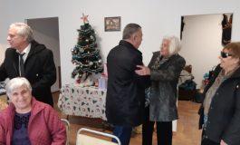"""Кметът гостува в ремонтирания пенсионерски клуб в """"Дружба"""""""