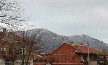 "Снегът слезе до параклиса ""Свети Георги"" и Туида"