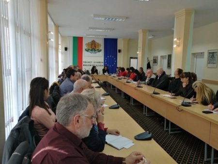 56 ще са паралелките с осмокласници в Сливенско