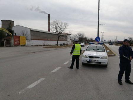 Арест и 100 лева глоба за 26-годишен, псувал полицаи на КПП в Сливен