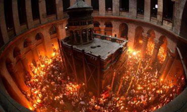На Велика събота православните очакват чудото на Благодатния огън
