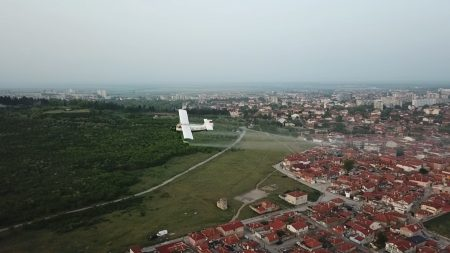 Изсипаха 3 тона дезинфектант над ромската махала на Ямбол