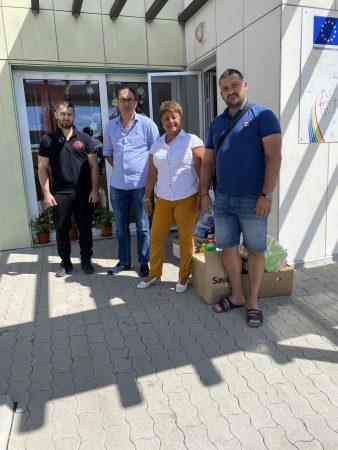 Федерацията на каракачаните с дарение за социални заведения в Сливен