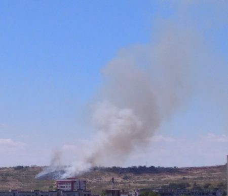 Пожар гори в края на Сливен