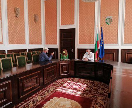 Граждани питат Стефан Радев за инфраструктура и благоустройство