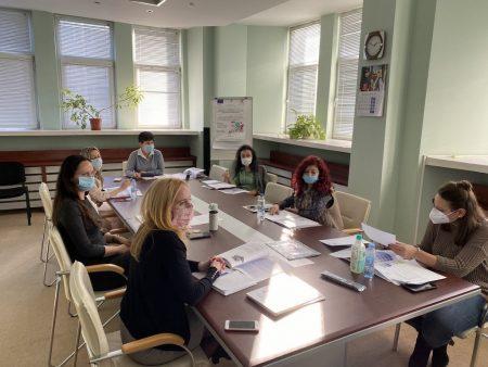 Служители участваха в обучение за подобряване на работната среда и услугите