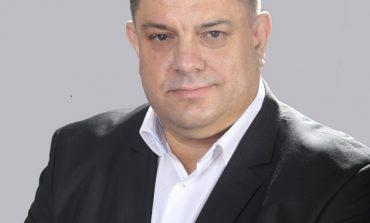 """Живот в невротичната """"открадната"""" държава на ГЕРБ или спокойната сила на БСП – какво избирате, пита социалистът Атанас Зафиров"""