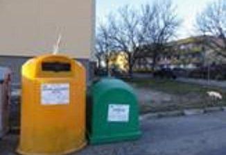 Слагат нови контейнери за разделно събиране на отпадъци в Сливен