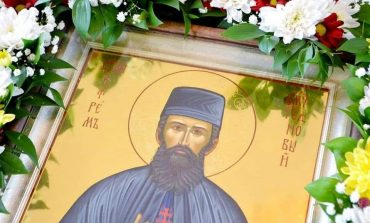 Чудотворна икона с мощи на голям светец пристига вСливен