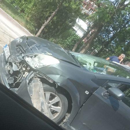 Катастрофа с две таксита и трета кола на важна сливенска улица